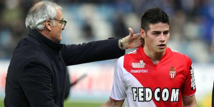 Monaco peut revenir provisoirement à 2 points du PSG, en cas de victoire sur Reims, vendredi 21 février, en match d'ouverture de la 26e journée — ici Claudio Ranieri félicitant James Rodriguez, le 15 février.