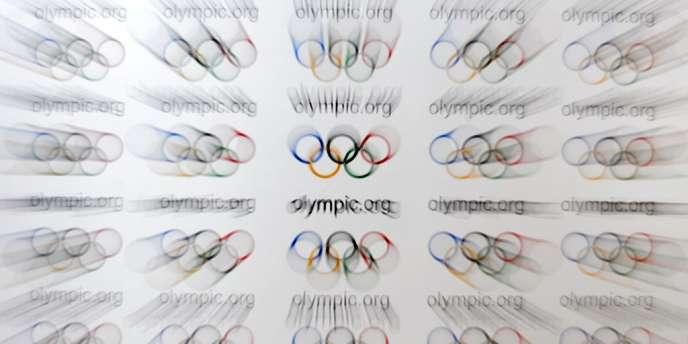 Les anneaux olympiques.