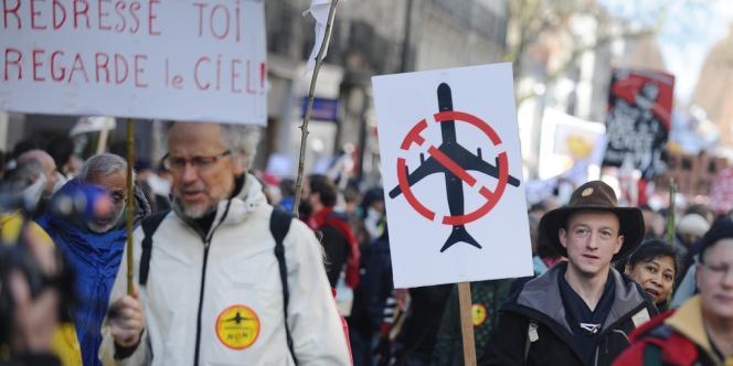 Dans le défilé à Nantes, samedi 22 février.