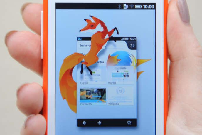 En 2013, Mozilla a annoncé un partenariat avec Alcatel One Touch pour son Firefox OS.