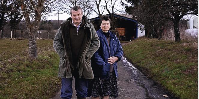 Didier et Madeleine Sardin élèvent 57 vaches laitières sur leur exploitation à Montemboeuf (Charente). Ils utilisent le minimum de produits phytosanitaires sans pour autant être en bio.