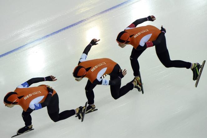 La Néerlandaise Ireen Wüst, ici à gauche, lors de la finale de la poursuite dames, le 22 février.