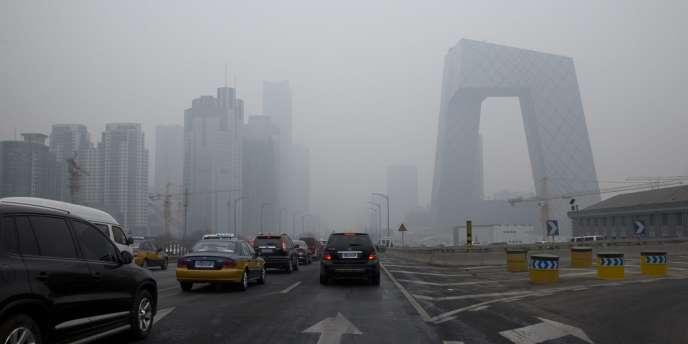 Le quartier d'affaires de Pékin dans le brouillard, le 21 février.