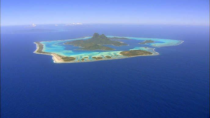En Polynésie française, 126 espèces animales sont directement menacées (ici l'île de Bora-Bora).