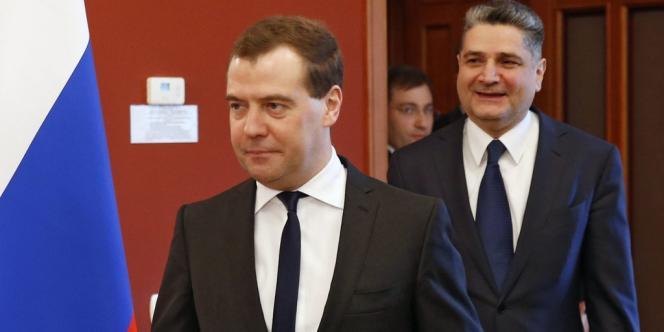 Dmitri Medvedev a exprimé ses doutes quant à la légitimité des autorités ukrainiennes en place.