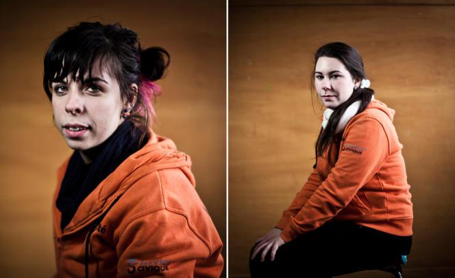 A gauche, Camille Létuvé, 20 ans. A droite, Tiffany Hautcoeur, 21 ans. Toutes deux font leur service civique à Saumur.