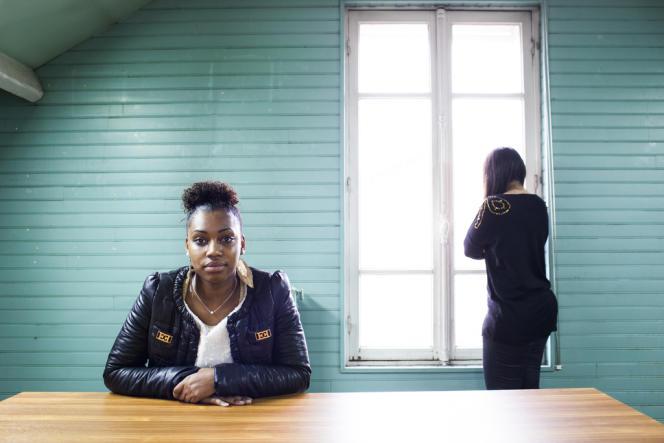 Lena (à gauche) et Namia sont toujours à la recherche d'un emploi stable.