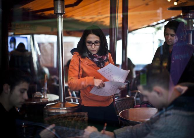 A Saumur, le 19 décembre 2013, des jeunes ayant choisi de faire leur service civique.