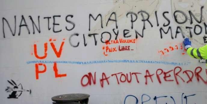 La communauté urbaine de Nantes a estimé à 1million d'euros le coût des dégâts, et de leur nettoyage, causés lors de la manifestation d'opposants à l'aéroport de Notre-Dame-des-Landes.