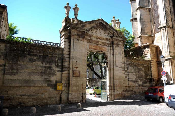 L'entrée de l'ancien palais épiscopal de Béziers.