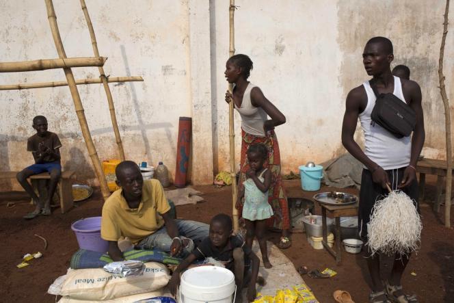 Camp de déplacés à Bangui, mercredi 26 février.