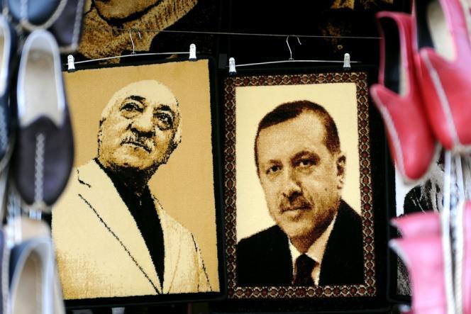 Portraits de l'imam Fethullah Gülen (à g.) et du premier ministre turc, Recep Tayyip Erdogan, en janvier, à Gaziantep (sud du pays).