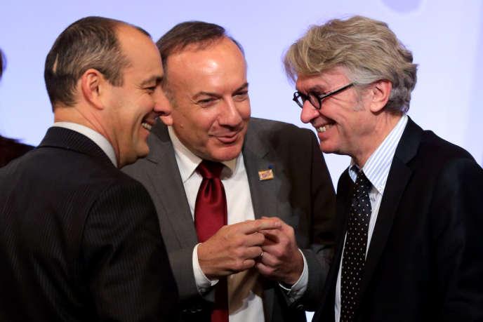 Le patron du Medef, Pierre Gattaz, entouré de Laurent Berger de la CFDT et de Jean-Claude Mailly (FO), le 21 janvier.