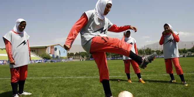 Des joueuses de l'équipe nationale d'Iran, à Téhéran, en 2009.