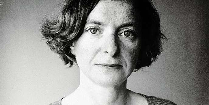 La commissaire d'exposition Sylvie Lécallier a eu accès aux archives de Condé Nast pour raconter un siècle d'images  de mode. -