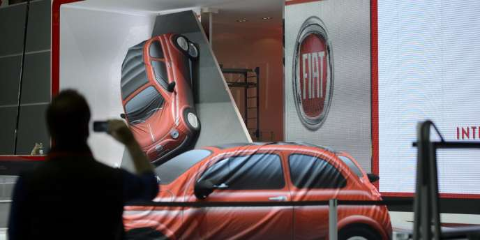 Lors des préparations du Salon de l'automobile de Genève, dimanche 2 mars.