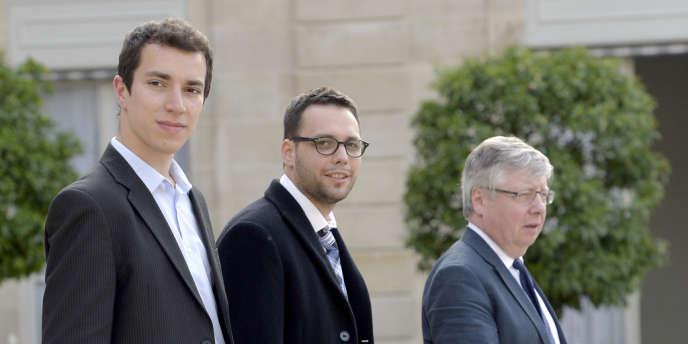 Le président de la FAGE  Julien Blanchet (au centre) et son vice-président Genet Maixent (à gauche), à l'Elysée en juin 2013.