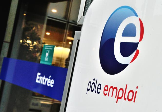 Le marché du travail français connaît chaque année un peu plus de 21millions de recrutements: 3millions en CDI, 18millions en contrats atypiques (Pole Emploi à Villeneuve-d'Ascq –Nord–, en décembre).