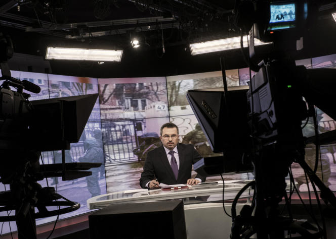 Sur le plateau de la télévision tatare de Crimée, le 5 février.
