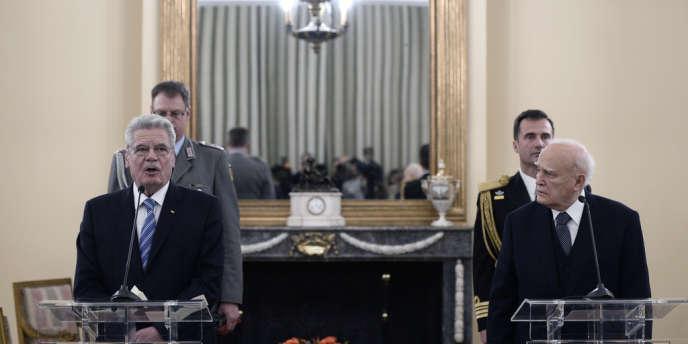 « La Grèce n'a jamais renoncé [aux réparations] et exige la résolution de cette question avec l'ouverture rapide de discussions », a déclaré Carolos Papoulias jeudi 6 mars à Athènes.