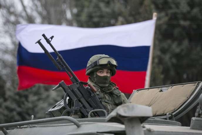 Soldat russe à Balaclava, le 1er mars 2014.