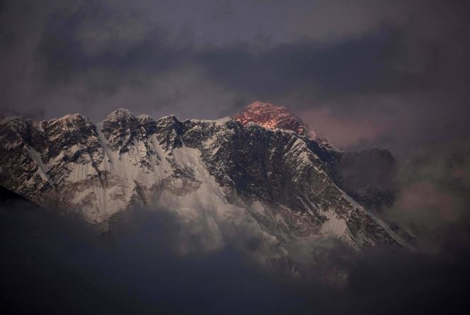 Le mont Everest, en 2011.