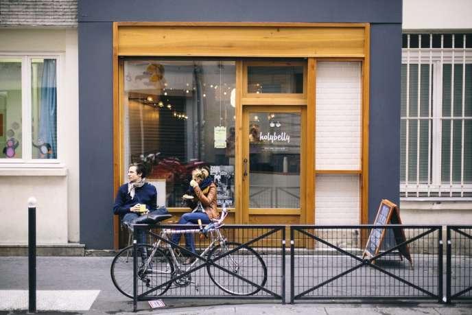 Nico Alary Venue des  Etats-Unis ou  de l'Australie, la mode est aux cafés du monde entier que l'on prend le temps de déguster, comme ici  à l'Holybelly.