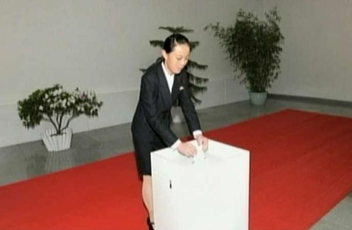 Kim Yo-jong en mars à l'occasion des élections parlementaires pour lesquelles se présente un candidat unique par circonscription, désigné par le Parti des travailleurs.