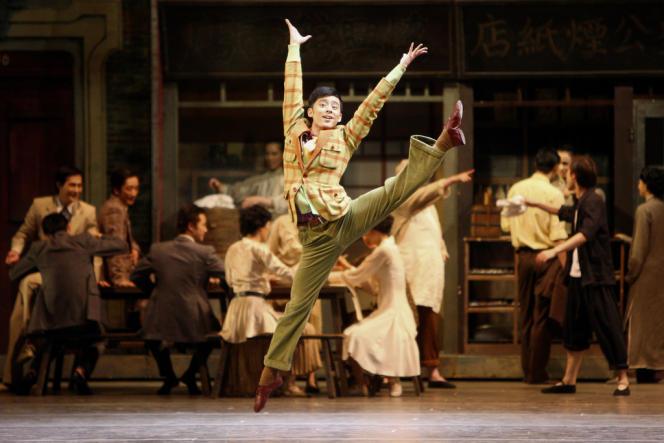 Custy. Ballet de Shangai, A sign of Love.