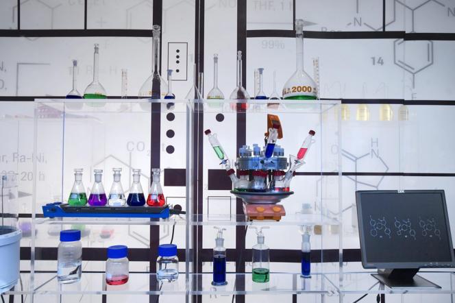 Dans un laboratoire Roche à Bâle en Suisse en 2006. Le groupe est l'un des leaders mondiaux de la pharmacie.