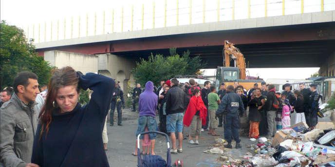 Evacuation d'un campement rom, en 2010.