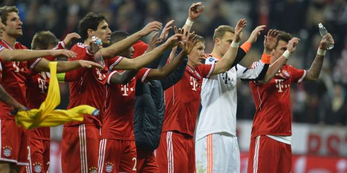 Les joueurs du Bayern célèbrent leur qualification, le 11 mars à Munich.