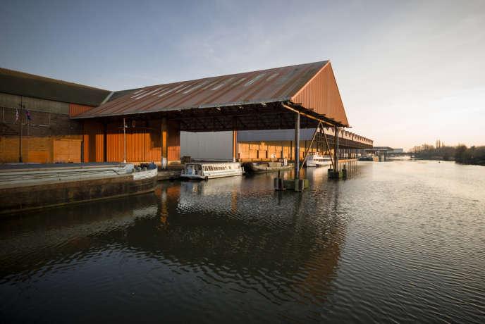 Le 3e port fluvial de France se cache aujourd'hui entre les friches, à Lille, le 6 mars.
