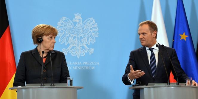 La chancelière Angela Merkel et le premier ministre polonais Donald Tusk, mardi 12 mars à Varsovie.