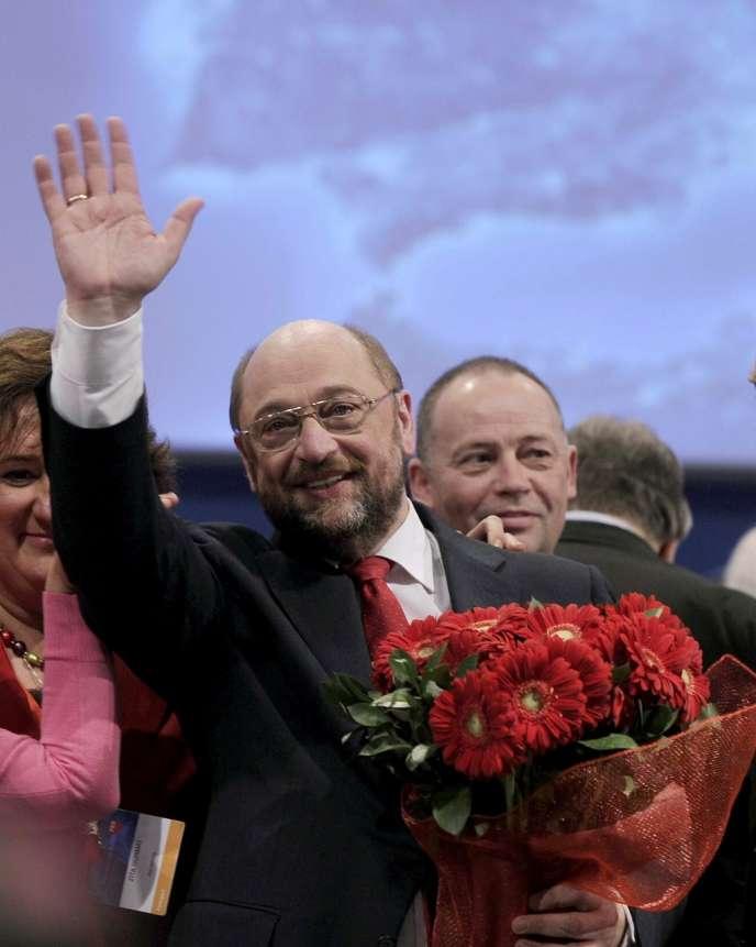 Martin Schulz, le candidat du Parti des socialistes européens à la présidence de la Commission européenne,  lors du congrès du PSE, le 1er mars à Rome.