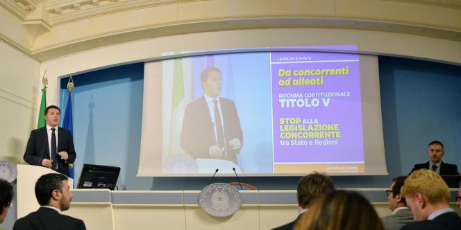 Matteo Renzi, le président du conseil, a promis « 10 milliards pour 10 millions d'Italiens » sous forme de baisses d'impôts, le 12 mars.