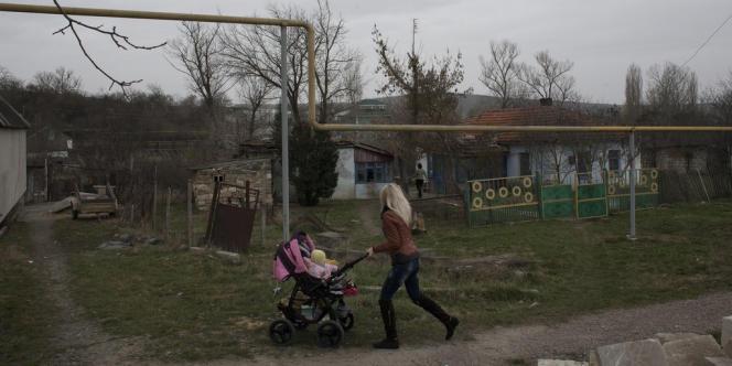 A Sevastianovska, village équipé depuis 2009 de conduites de gaz posées grâce à une aide du Canada.
