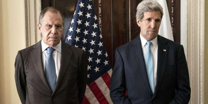 Sergueï Lavrov et John Kerry, lors d'une précédente rencontre, le 14mars à Londres.