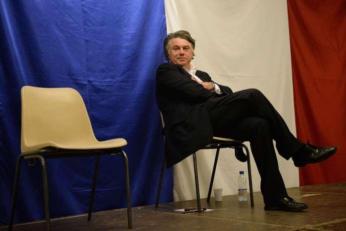 Gilbert Collard, lors d'un meeting à Saint-Gilles (Gard) le 8 mars.