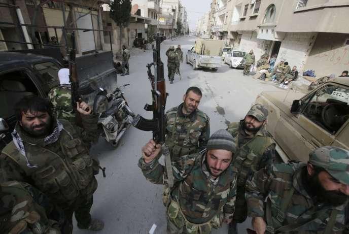 Des militaires pro-Damas, le 16 mars à Yabroud.