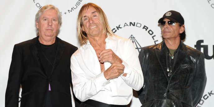 Scott Asheton (à droite), batteur et membre fondateur des Stooges, est mort. Ici, avec Iggy Pop (centre) et James Williamson (gauche).