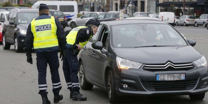De 5 h 30 à minuit lundi 17 mars, Paris et sa proche banlieue ont expérimenté la circulation alternée.