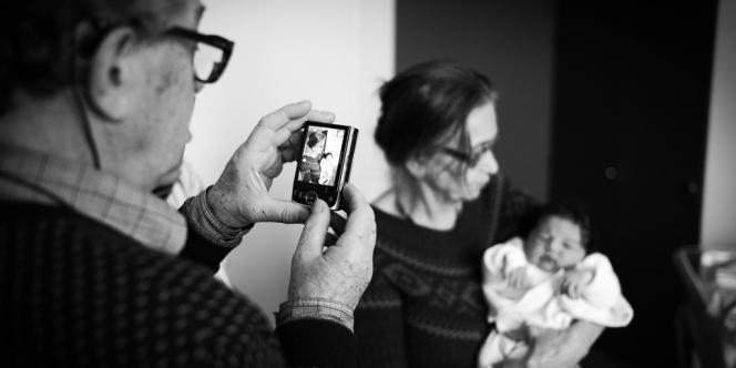 En Europe, 11% des grands-parents gardent leurs petits-enfants tous les jours.