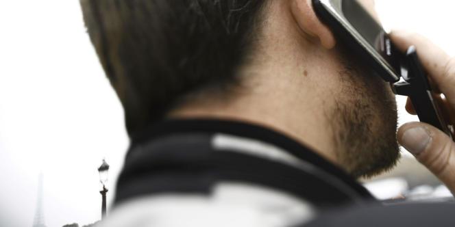 Un homme au téléphone (image d'illustration).