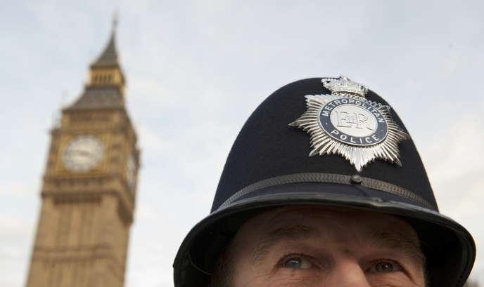 Au Royaume-Uni, les écoutes sensibles sont décidées par la police.