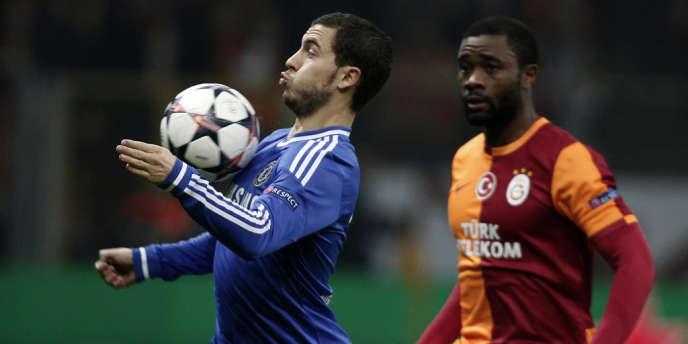 Eden Hazard et Aurélien Chedjou, lors du match aller des huitièmes de finale de la Ligue des champions à Istanbul, le 26 février.