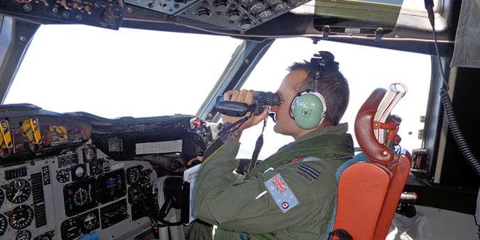 Les recherches pour localiser le Boeing 777 de la Malaysia Airlines couvrent une zone plus vaste que l'Australie.