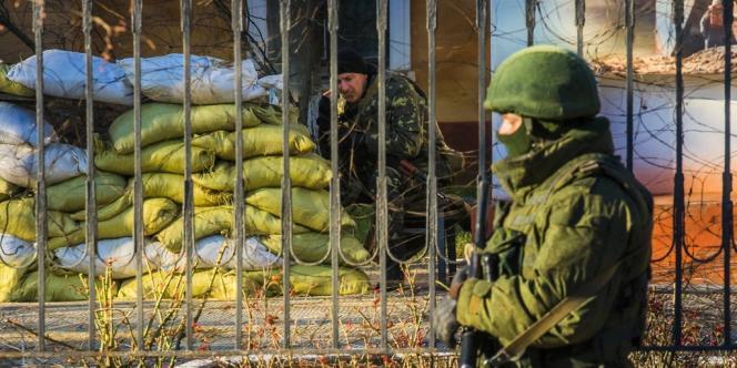 Mardi, un militaire ukrainien avait été tué dans une tentative d'assaut contre son unité à Simferopol, autre ville de Crimée.