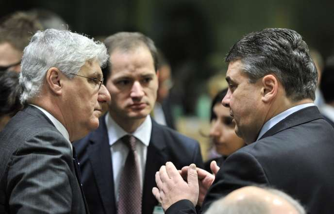 Philippe Martin, ministre français de l'environnement, et Sigmar Gabriel, vice-chancelier allemand, le 4 mars à Bruxelles.