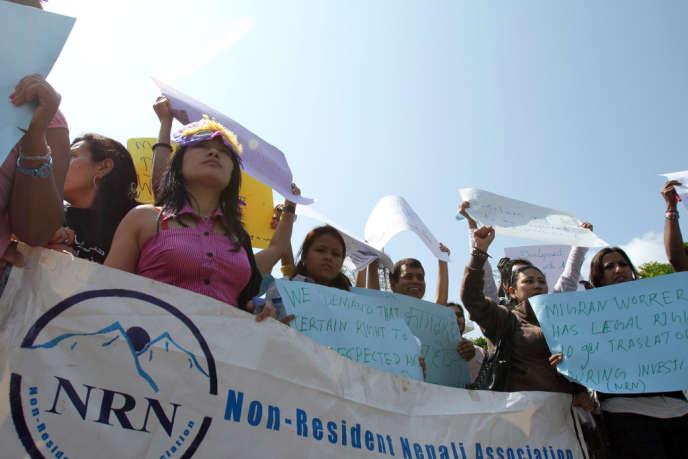 Des étrangères, dont de nombreuses Népalaises, manifestent en mai 2011 à Beyrouth au Liban contre leurs conditions de travail, notamment comme domestiques.